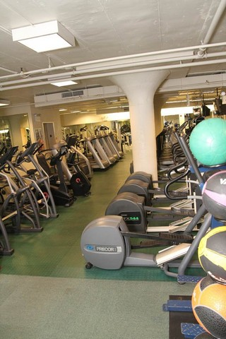 Personal Training Gym Bronx: Kingsbridge Astral Fitness 4