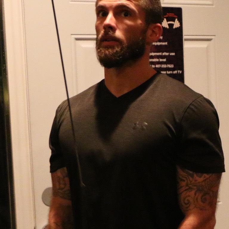 Personal Trainer Matthew Lowe 27