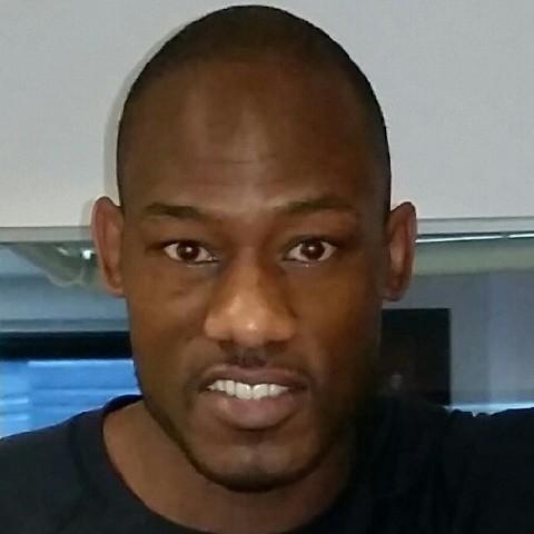 Personal Trainer Tarik Grant 1