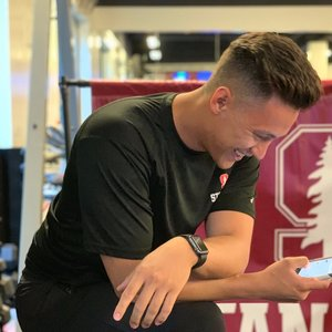 Trainer Jonathan Angeles profile picture
