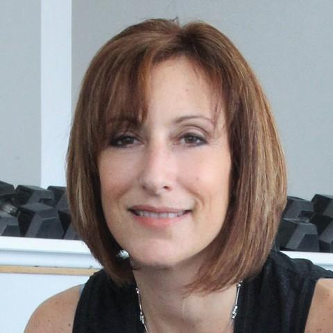 Lisa Grossman-YOGA-PILATES-BARRE, Pos