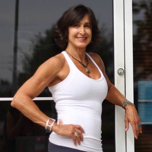 Trainer Val Poulos-Davies profile picture