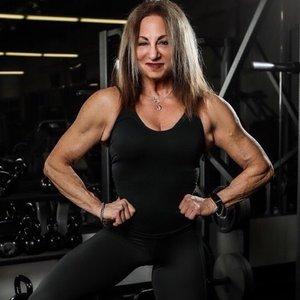 Trainer Sharon Smith profile picture